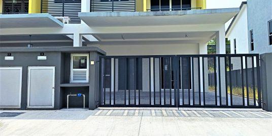 END LOT WITH BIGGEST LAND Double Storey House Taman Vista Mutiara Bukit Sungai Long Cheras Kajang